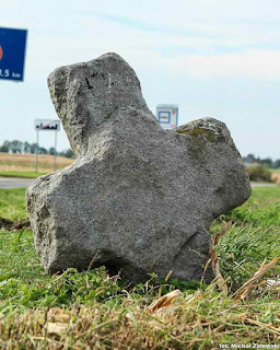 Damianowice krzyż kamienny, pokutny, krzyż pojednania