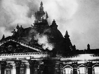 incendio-reichstag-conjugando-adjetivos