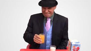 Halloween Truco o trato con leche y naranja