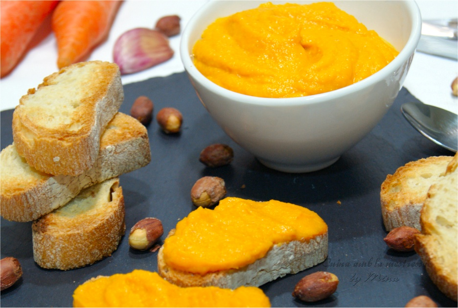Paté de zanahorias y cacahuetes {Receta vegana}