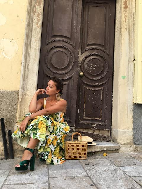 Floral dress, D&G lemon dress, midi summer dress, how to wear florals, velvet green platform sandals, how to dress on a budget, what to wear in your thirties, welcome to 30s club, how to wear midi dress and still look sexy, best fashion blogger style, najbolje srpske blogerke, najbolje blogerke sa balkana, sta nositi sa midi haljinom, krf, sta obici na krfu, corfu greece, island of corfu, travel to corfu