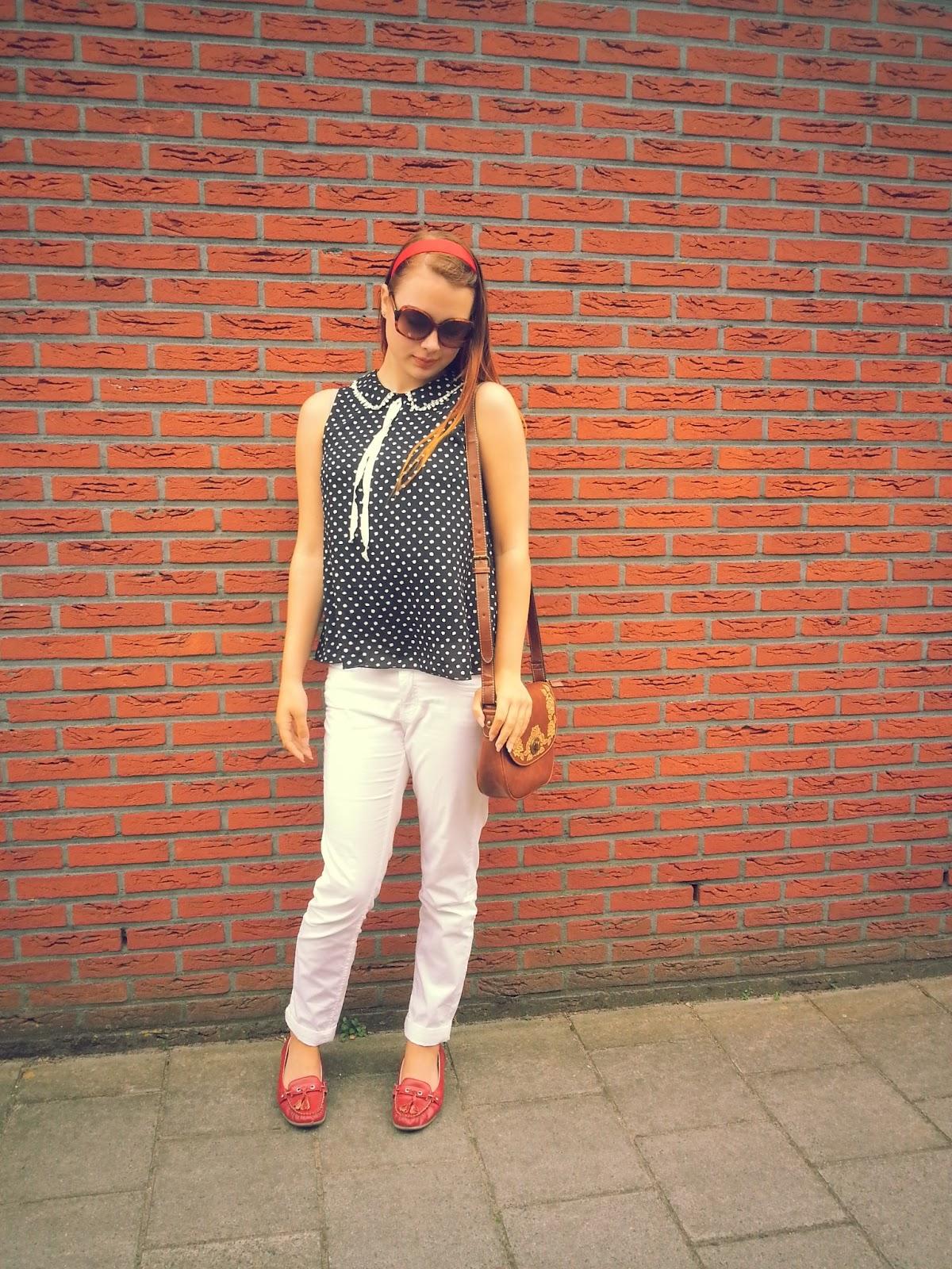 zwarte blouse witte stippen hm