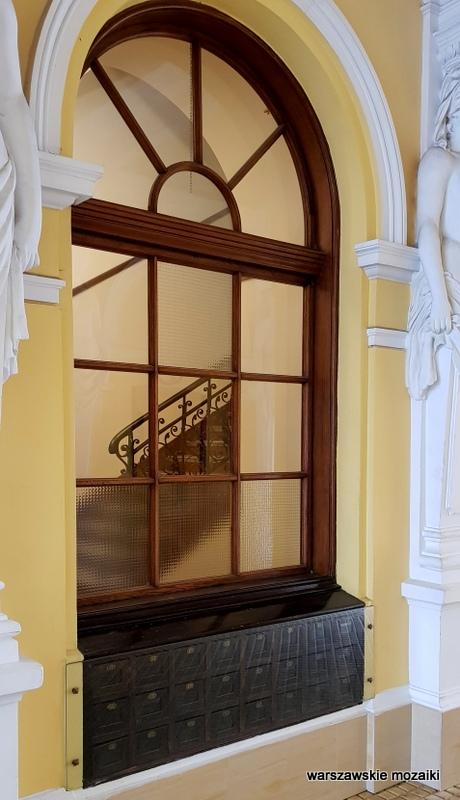 klatka schodowa Warszawa Warsaw kamienica Śródmieście warszawskie kamienice architektura architecture