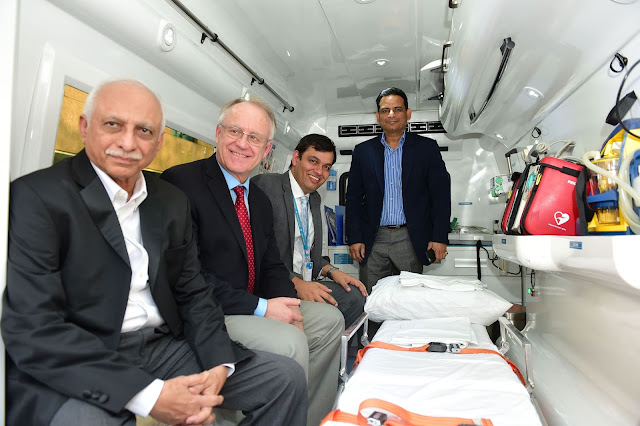 (L-R) Apollo CEO, Dr N Trivedi,Havard Emergency Med Specialist, Dr Thomas Burke,Apollo Emergency Med Services,Dr Nitin Jagasia & Commissioner of Police NaviMbai, Hemant Nagrale at Launch of Apollo Emergency Care & Li​f​e Saver Club/Clinic