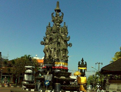 Patung Kanda Pat Sari