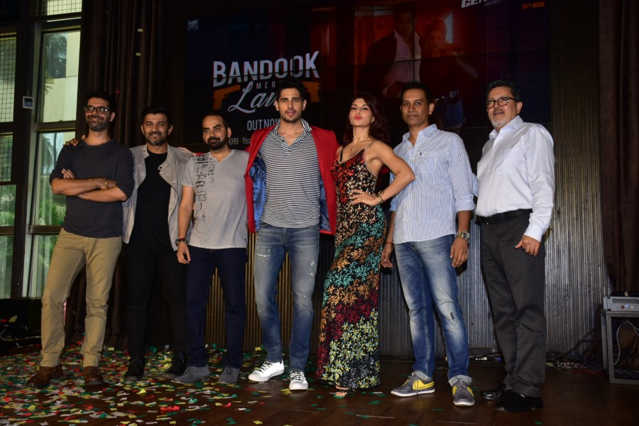 Bandook Meri Laila' Song From A Gentleman Movie