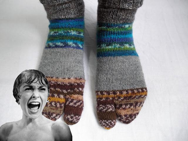 chaussettes tricotées et film d'horreur