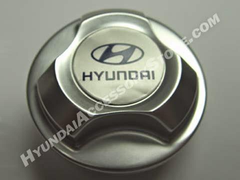http://www.hyundaiaccessorystore.com/Hyundai_Accent_Oil_Cap.html