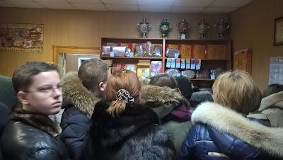 Очередь в магазине пряников