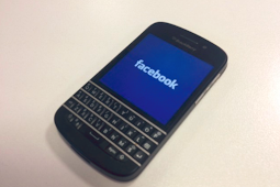 Blackberry Curve Facebook Download