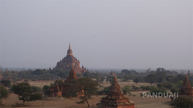 Menunggu Sunset di Bagan