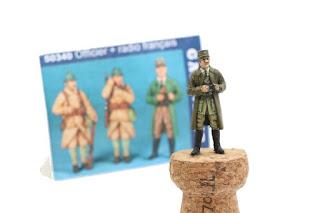 Figurine de l'officier et radio français  1939-40 Gaso.line  au 1/48.