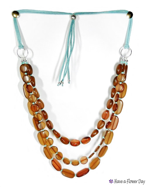 TANNA. Collar vueltas en marrón y turquesa · Multi strand necklace in brown and turquoise