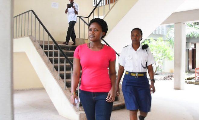 Aliyekamatwa na Bilioni Mbili Uwanja wa Ndege Apandishwa Kizimbani