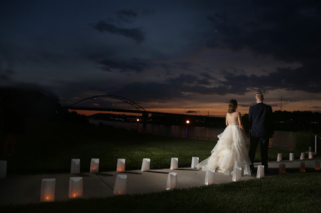 candle light wedding pictures in sioux city