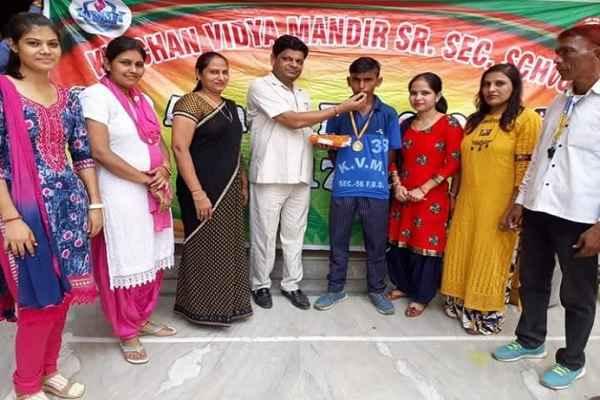 rajiv-colony-kanchan-vidya-mandir-student-champat-tiquando-champion