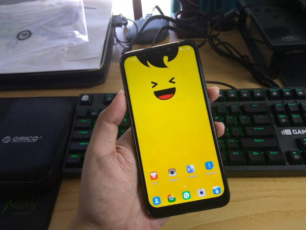 Wallpaper Kuning poni notch