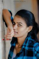 Kundratthiley Kumaranukku Kondattam Tamil Movie Actress Riyamikka Po Shoot Images  0001.jpg
