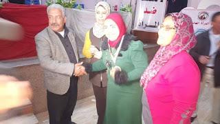 تكريم النائبة المنتظرة أميرة عمر من قبل أعضاء اتحاد المرأة الديموقراطي بقاعة ريفورم بنجع حمادي