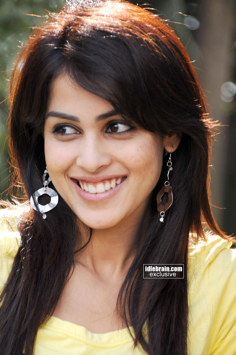 Funny But Cute Wallpapers Music Videos World Genelia Cute