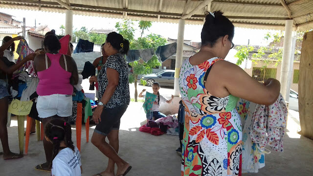 Alagoinhas: Moradores do Jardim Petrolar realizaram bazar do Dia das Crianças