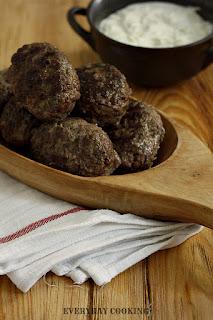 http://www.greencooking.pl/2012/10/bifteki-czyli-greckie-mielone.html
