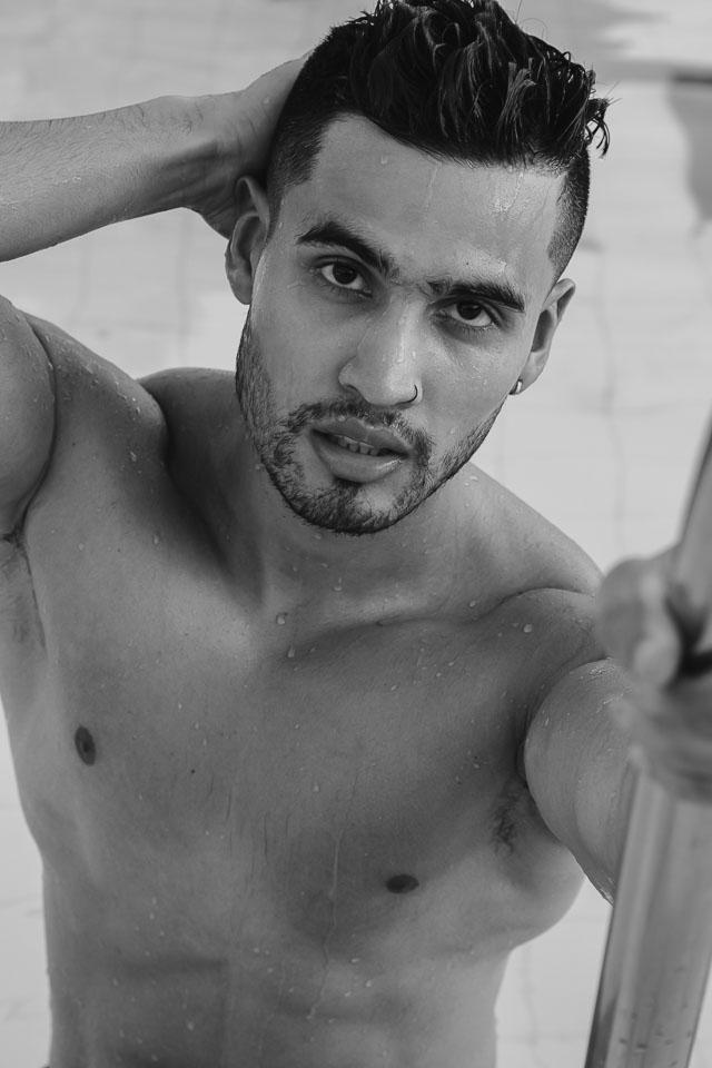 Iago Coelho posa de sunga para editorial de moda. Foto: Yraq Lima