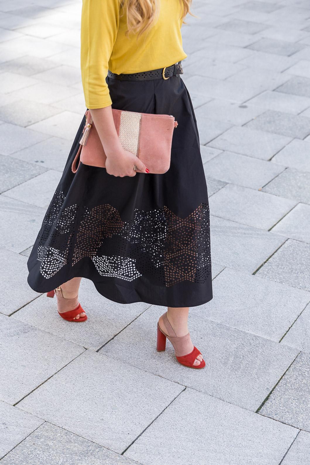 jupe longue noire découpe lazer