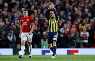Cetak Gol ke Gawang MU, Van Persie Disambut Meriah Publik Old Trafford