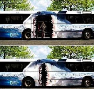 Iklan Kreatif Dan Menarik di Badan Bas