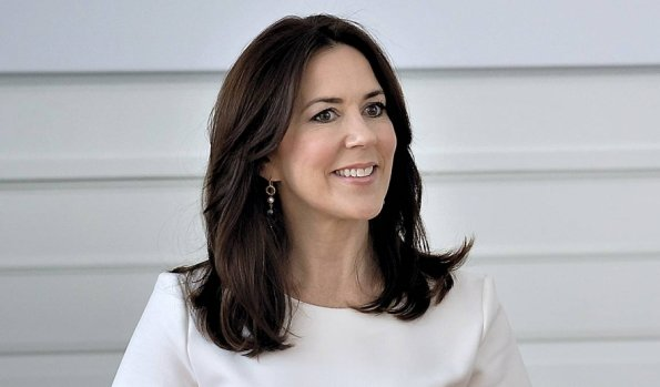 "Crown Princess Mary of Denmark presented to the receivers ""The Crown Princess Mary Scholarship"" of 2016"