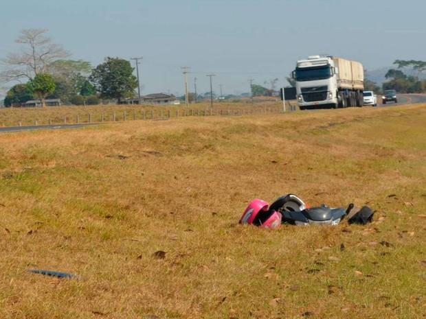 Motociclista e filha de 7 anos morrem em acidente na BR 364 em Ariquemes