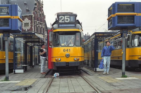 Amsterdam, trams, © L. Gigout, 1990