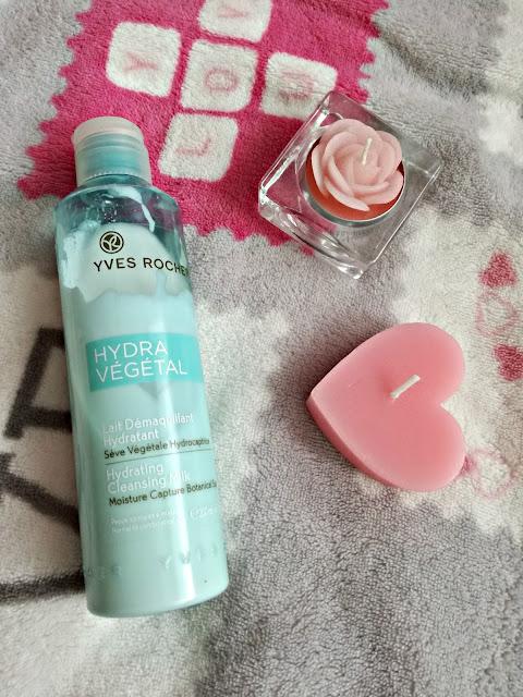 Nawilżające mleczko do demakijażu twarzy Hydra Vegetal od Yves Rocher