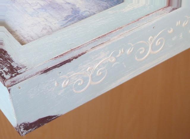 caja-madera-estarcido-cenefa-relieve