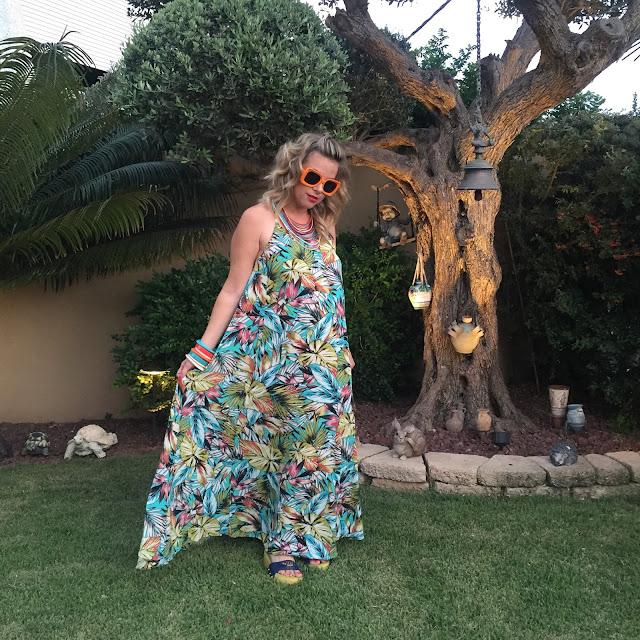 שמלת מקסי הדפס טרופי קסטרו