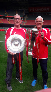 2 players with triple crown and 6 nations trophies