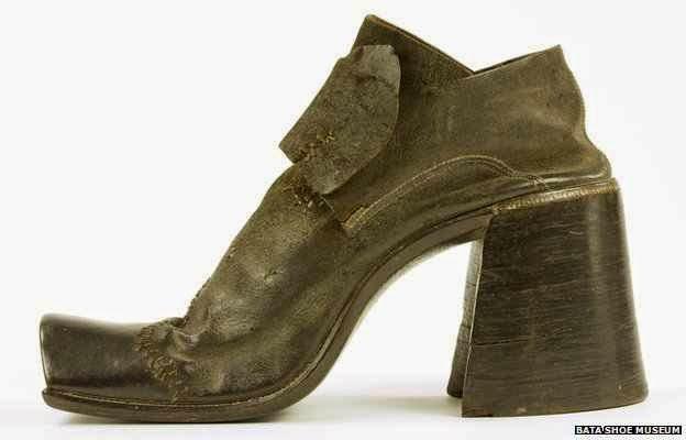43429c1e53 NOTICIAS MUY CURIOSAS ¡Ver para creer!  Origen de los zapatos de tacón