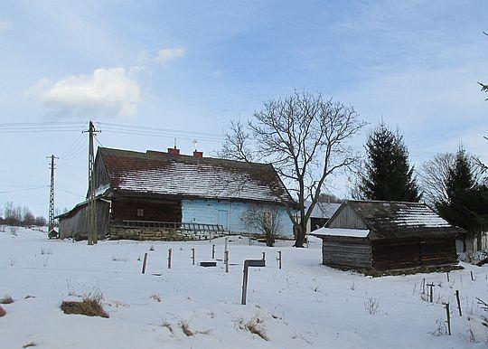 Drewniany budynek gospodarczy przy zagrodzie z 2. połowy XIX wieku [251/78 z 28.04.1978].