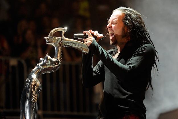 Metal Psycho: Jonathan Davis Steps Out Of 'Twins Of Evil' Tour  Metal Psycho: J...