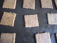 Biscuits à la courge sur plaque avant cuisson, halloween