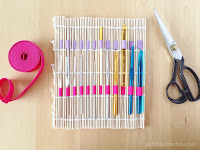 http://www.petitboutdechou.com/2016/04/diy-10-minute-inexpensive-crochet-hook-holder.html