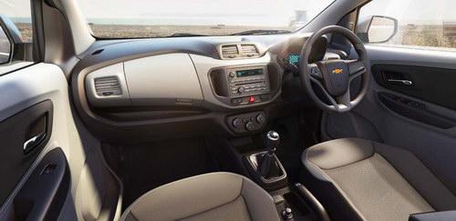 Dashboard Mobil Chevrolet Spin