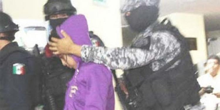 """La historia de """"La Perla""""; la niña de 13 años sicaria"""" de los """"Zetas """"."""