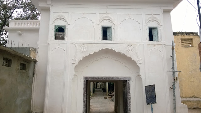 You enter through this gate to see paigah tombs in the city of hyderabad