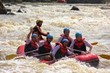 Arung Jeram ( Rafting ) Cicatih Sukabumi