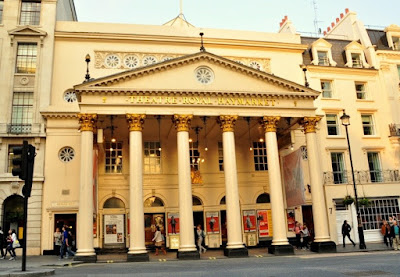Théâtre-royal-à-Berlin.JPEG
