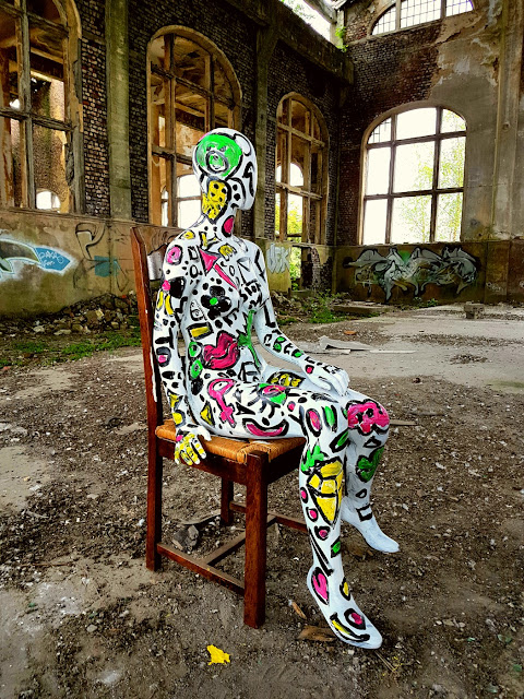 Flesh and Acrylic - Ben Heine Music - Quand T'es Loin - Clip de Musique - BenHeineMusic - Backstage Making of Photos - Abstract Body Painting - Ben Heine Art - 2017 - Charbonnage N10 du Gouffre