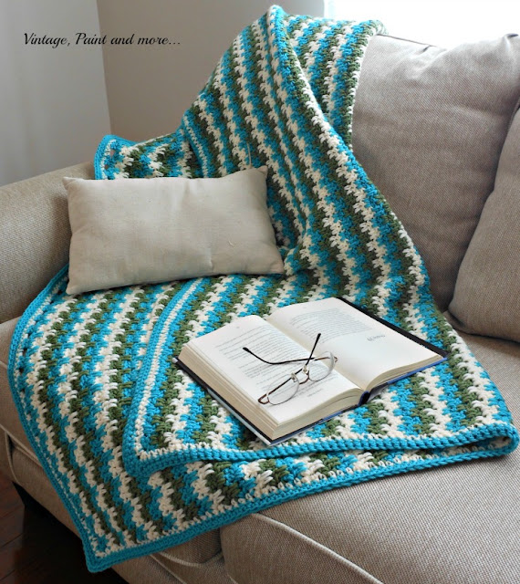 Vintage, Paint and more... Double crochet afghan in three color stripes and drop cloth pillow