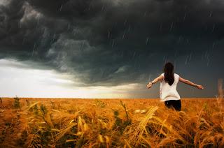 Menikmati hujan rintik-rintik